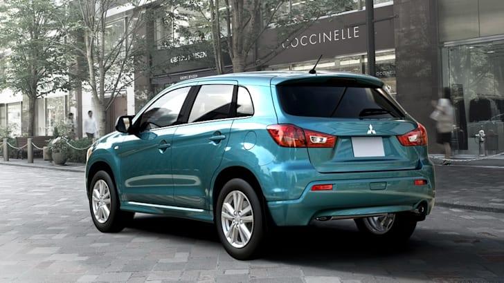 2011-Mitsubishi-RVR-2