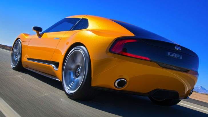 Kia-GT4-Stinger-rear-dynamic-driving