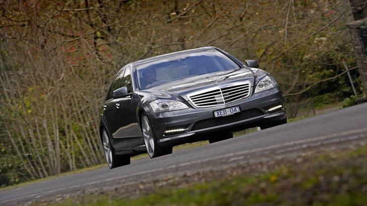 2009-Mercedes-Benz-S-Class-18