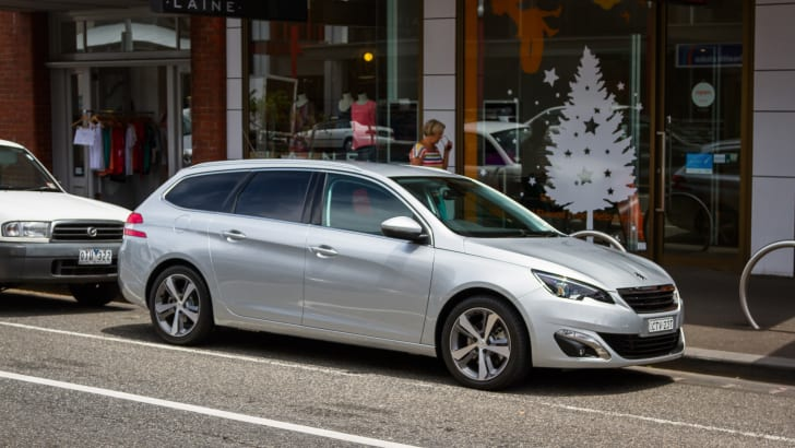 2015-peugeot-308-allure-touring-silver-24