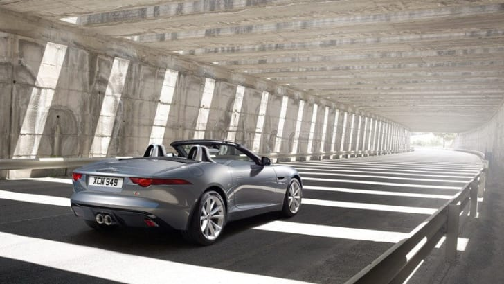 Jaguar F-Type Roadster - 13