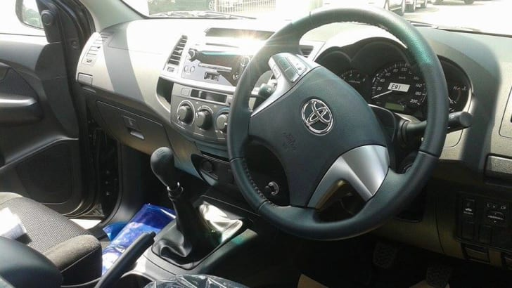 2015_Toyota_HiLux_Interior_Leaked