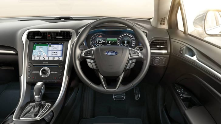 2016_ford_mondeo_02