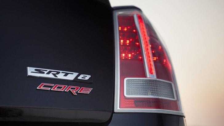 Chrysler-300-SRT8-Core-9