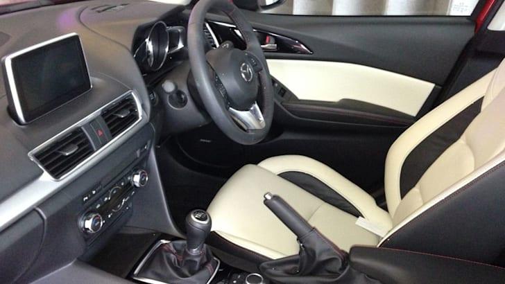 2014 Mazda 3 sedan13