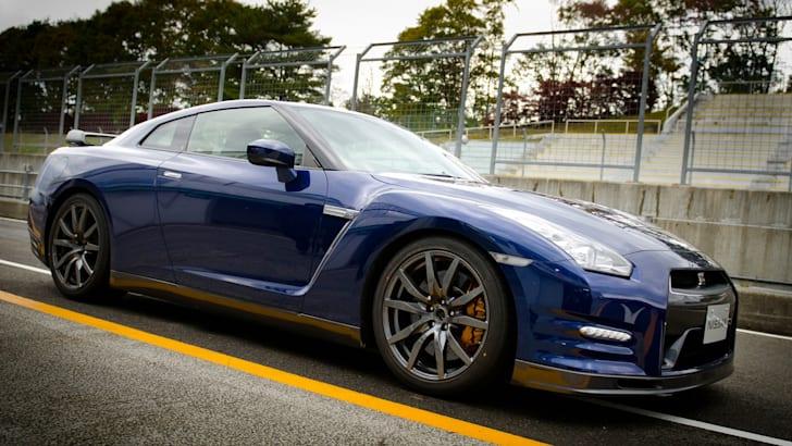 Nissan GT-R - 1