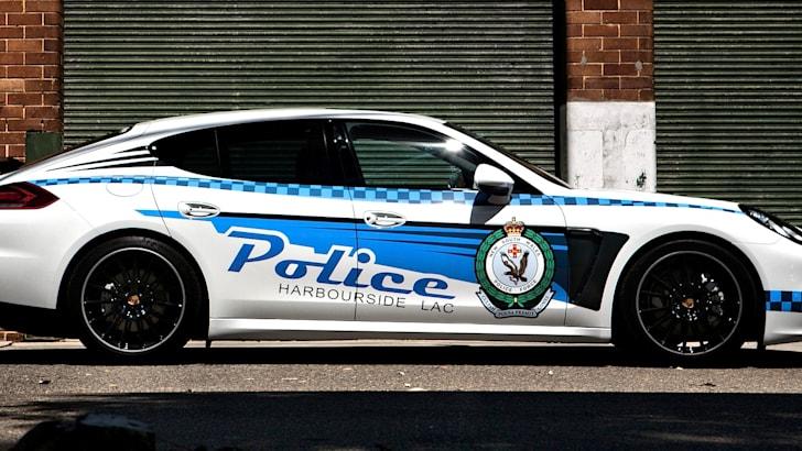 porsche-panamera-police-3