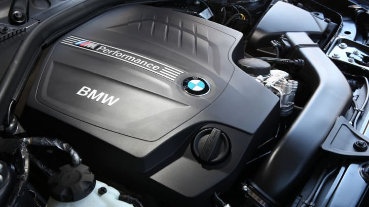 BMW-M135i-engine