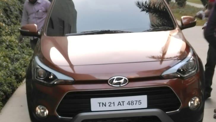 Hyundai-i20-Active-Spy-3