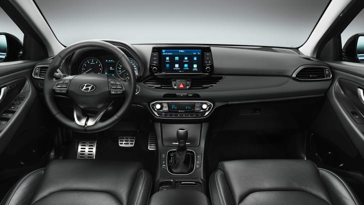 2017_hyundai_i30_official_07
