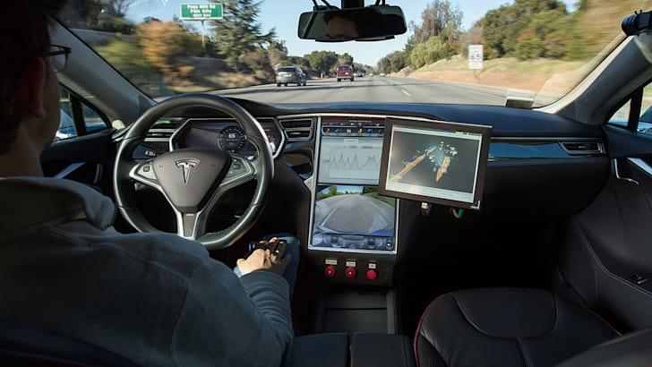 bosch_tesla-model-s_driverless_autonomous_03