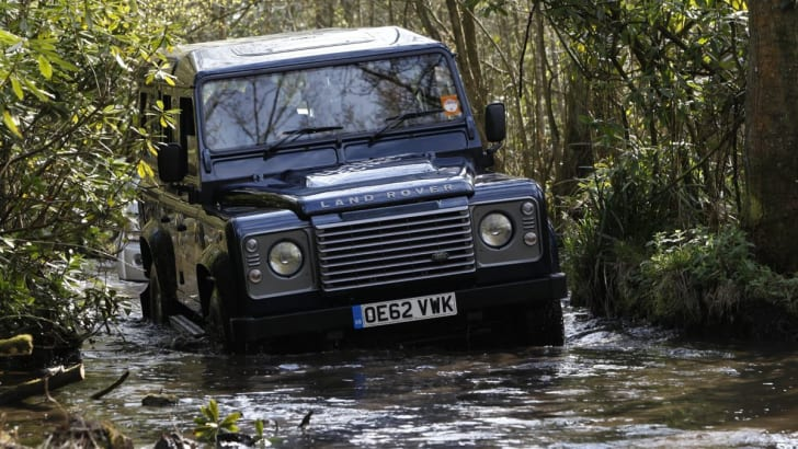 Land Rover Defender Electric 3