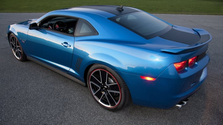 Chevrolet Camaro Hot Wheels Edition - 3