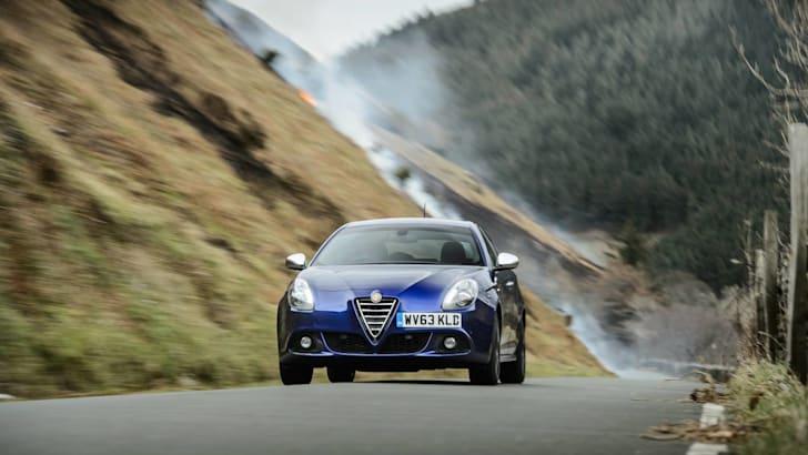 2015 Alfa Romeo Giulietta_4