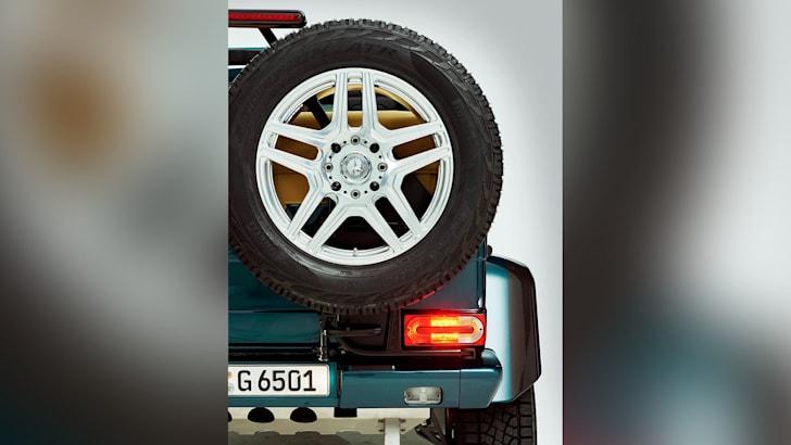 mercedes-maybach-g650-landaulet-facebook