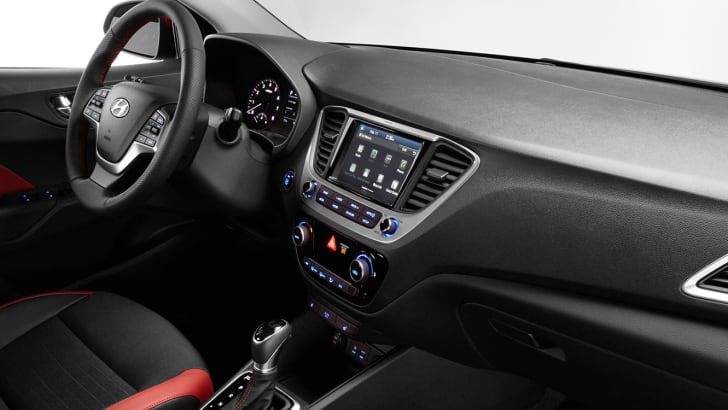 2018_hyundai_accent_interior_passenger_dashboard