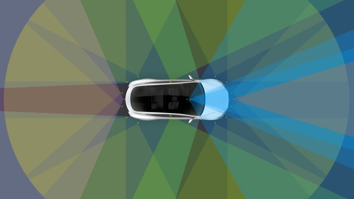 tesla_enhanced-autopilot_04