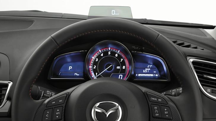 2014-Mazda-3-Interior-6-e1390863399475