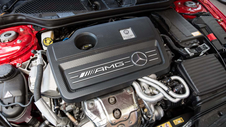 2015-mercedes-benz-A45-amg-hatch-1