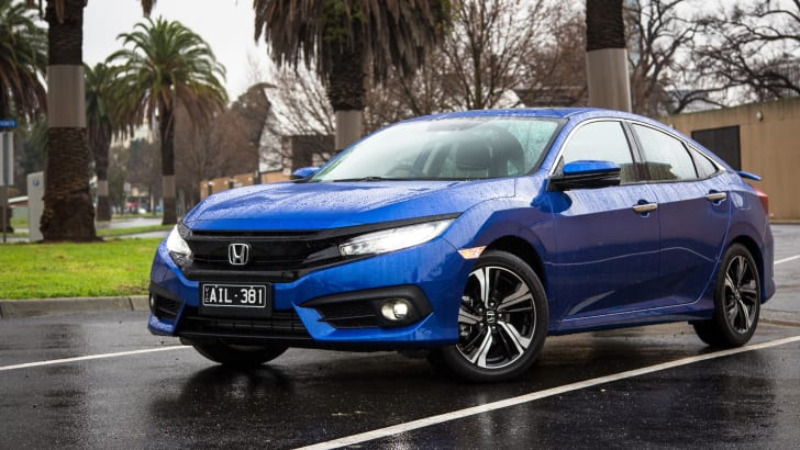 2016-honda-civic-rs-sedan-33