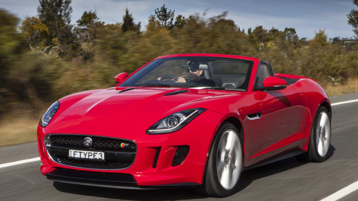 2013-Jaguar-F-Type-Review-10