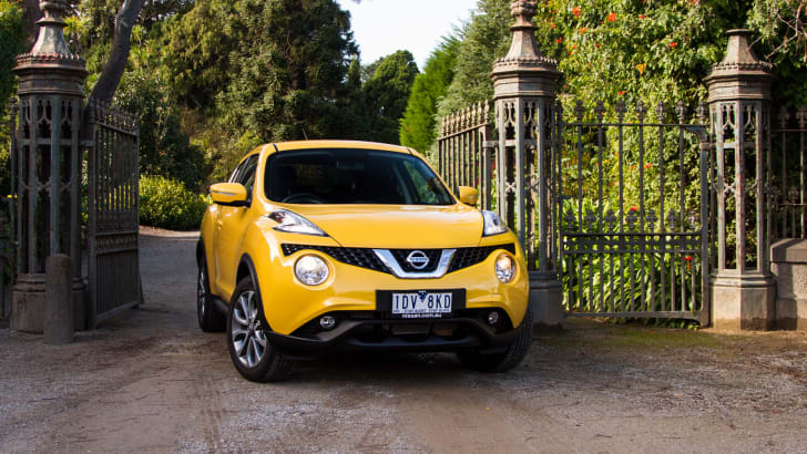 2015-nissan-juke-ST-manual-31