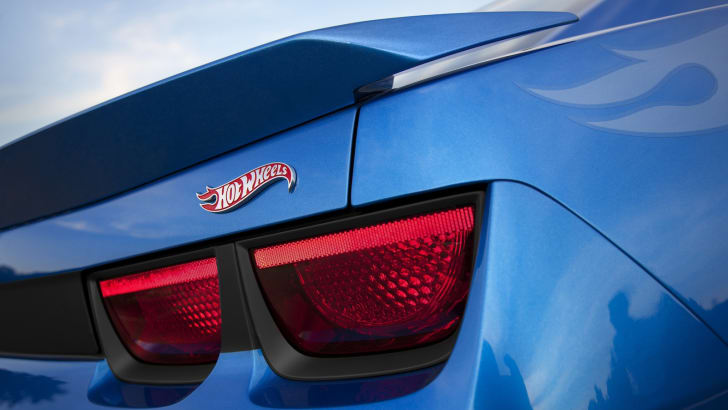 Chevrolet Camaro Hot Wheels Edition - 4