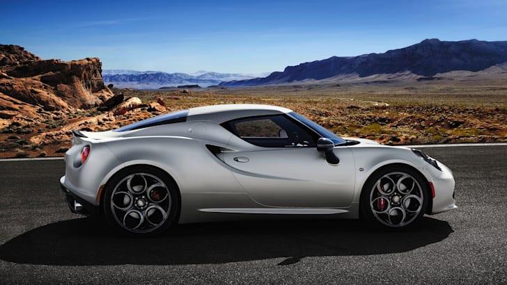 Alfa Romeo 4C launch edition profile