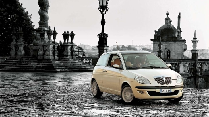 LANCIA YPSILON file_393