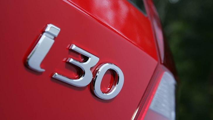 Hyundai_i30_Badge_999.jpg