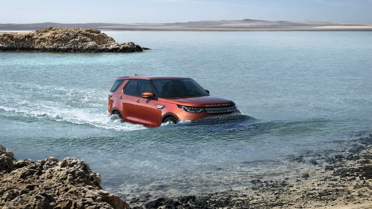 2017-land-rover-discovery_19