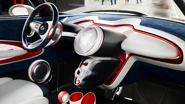 mini-rocketman-uk-edition-interior