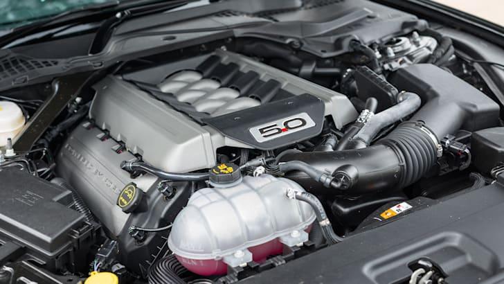 2016-ford-mustang-gt-v8-manual-grey-33