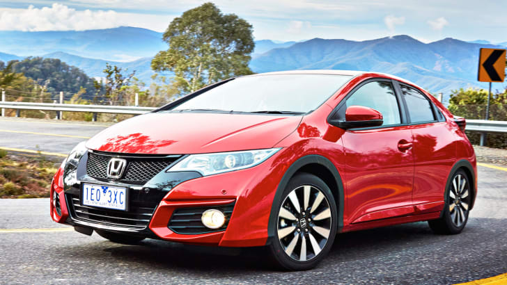 2015-honda-civic-hatch-1