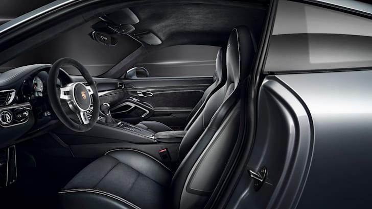 Porsche 911 GTS 10