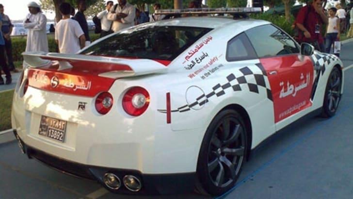 UAE_Police_Nissan_GTR_002