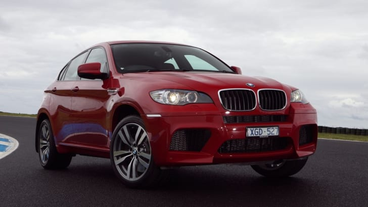 BMW X6 M on track front 2