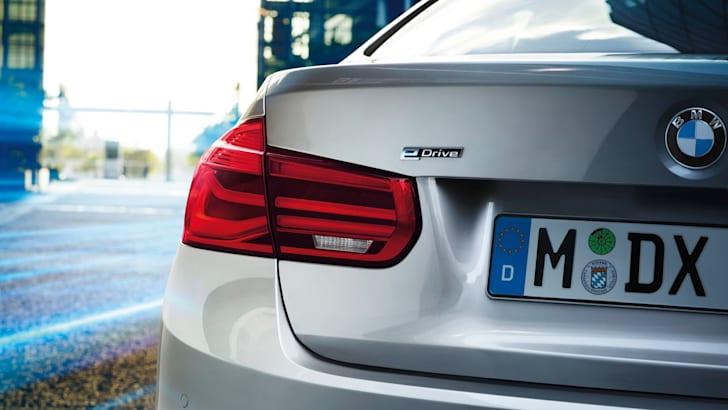 BMW-330e-Plugin-Hybrid - 2