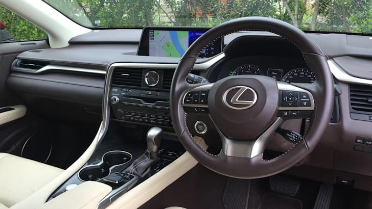 2016-Lexus-RX-200t-Review- - 18