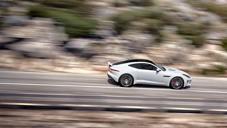 2015-Jaguar-F-Type-R-Coupe-32