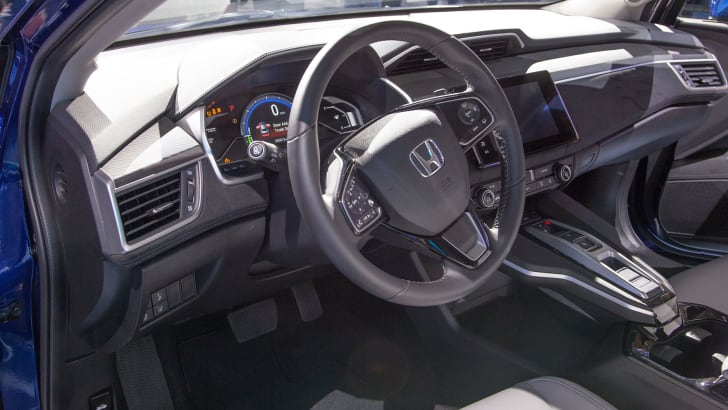 honda-clarity-electric-interior