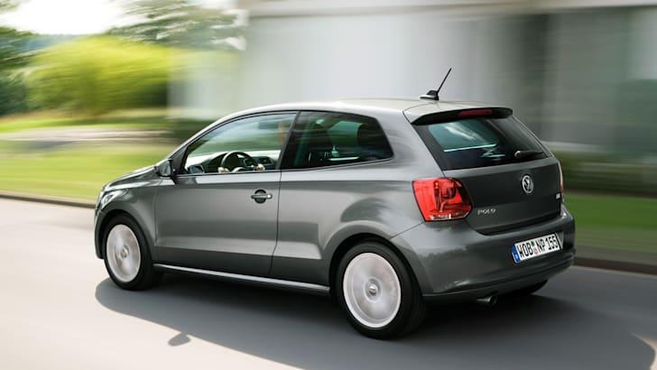 2010_Volkswagen_polo_file_003