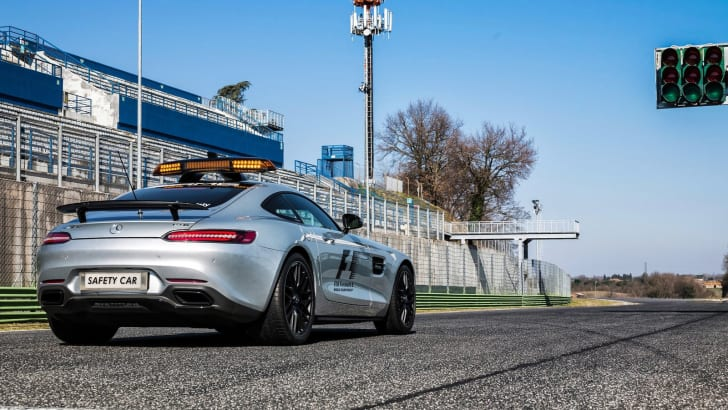 Mercedes-Benz-AMG_GT_S_F1_Safety_Car_2015_4