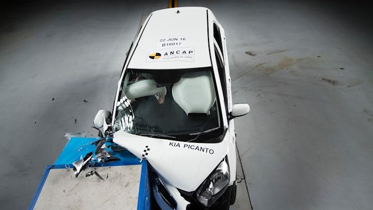 2016-Kia-Picanto-ANCAP-crash-test-6