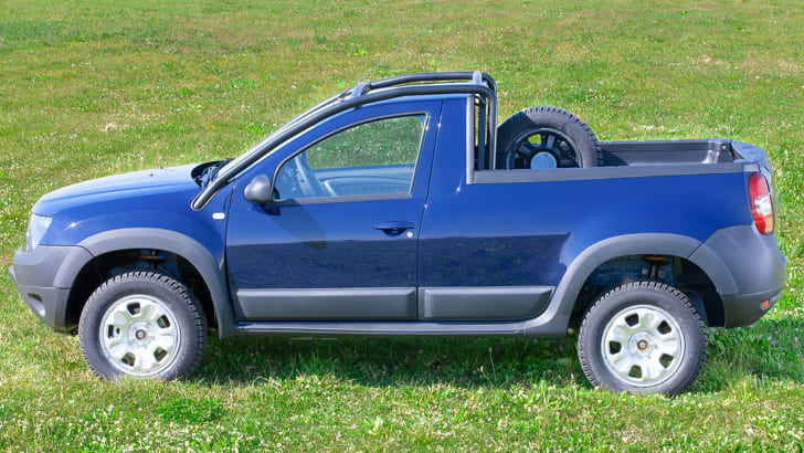 dacia-duster-ute-side