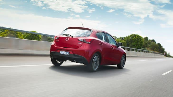 2015 Mazda 2_04