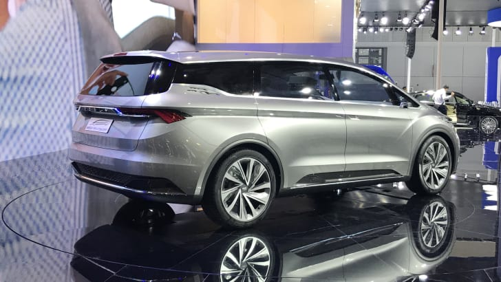 2017_geely_mpv_concept_03