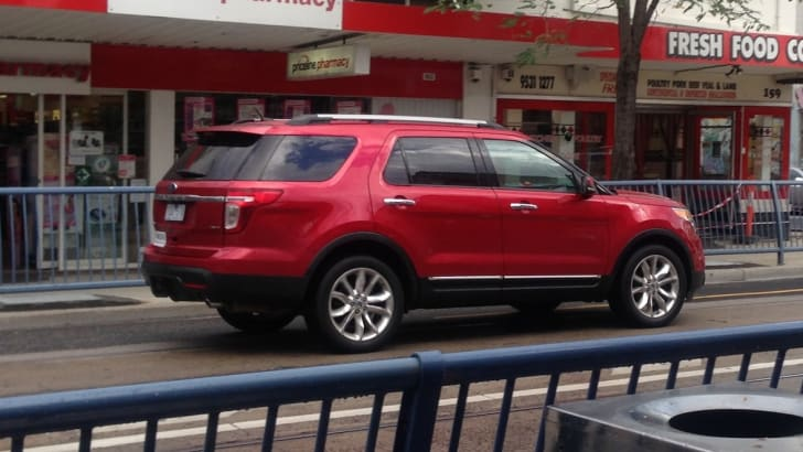 Ford Explorer spied zoom