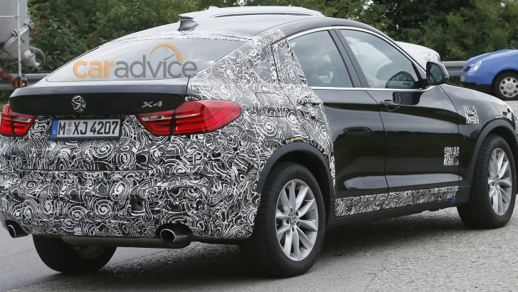 BMW X4 M40i spy pic - rear