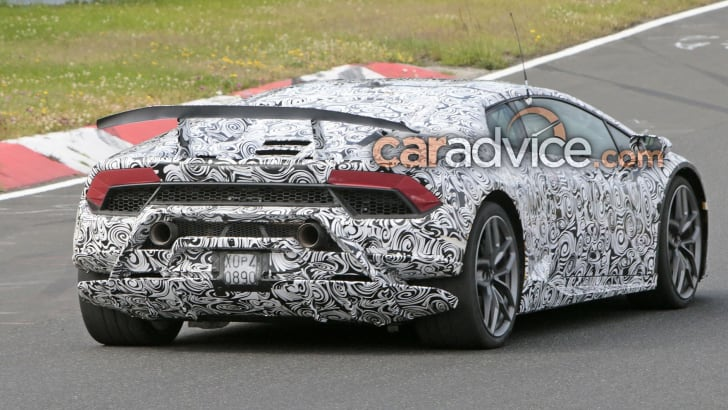 lamborghini-huracan-superleggera-spy-12-rear